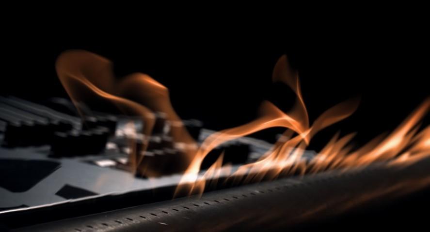 fiamme mosse dalla musica, cimatica